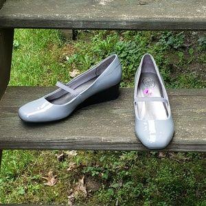 Life Stride Gray Heels